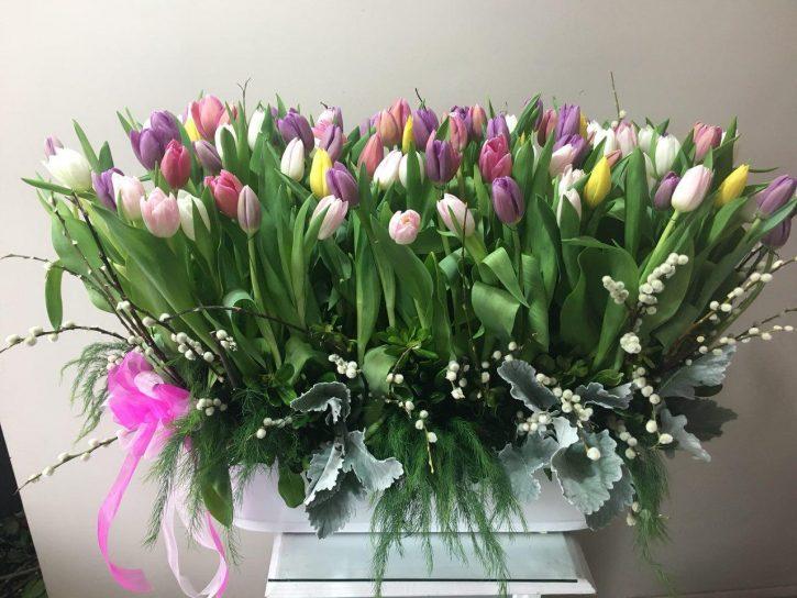 Arreglos floral con 100 Tulipanes