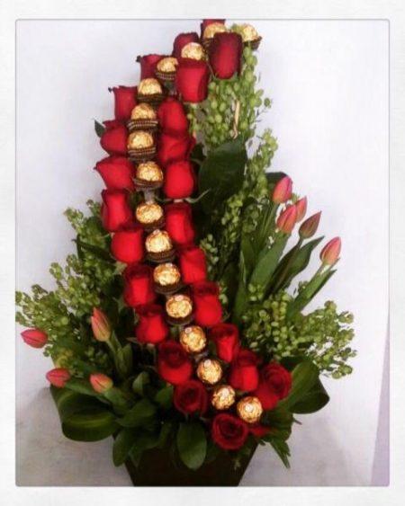 Rosas y Tulipanes con Chocolates Ferrero