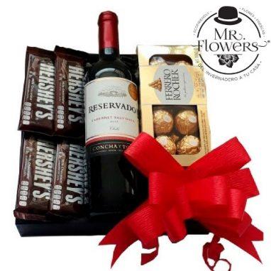 caja de vino y chocolates