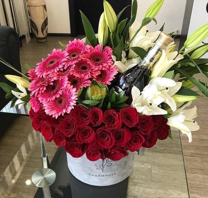 Caja con Rosas, Lilis y Gerberas
