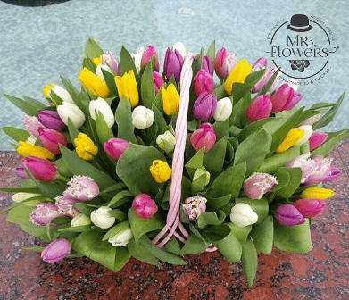 Canasta-con-80-Tulipanes