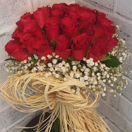 Ramo con 24 Rosas y Gypso