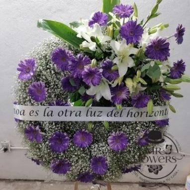 Corona Fúnebre con tonos morados