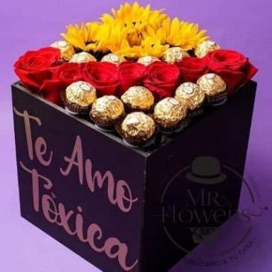 Caja con rosas, girasoles y ferrero